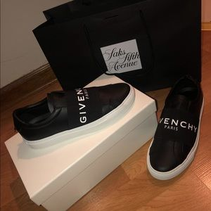 Givenchy Urban Logo Elastic Leather Sneaker